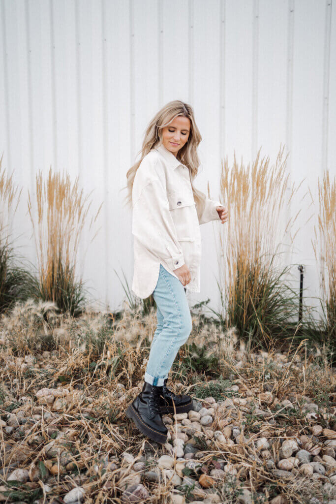 Influencer Kelsi Kendel and her fall fashion items