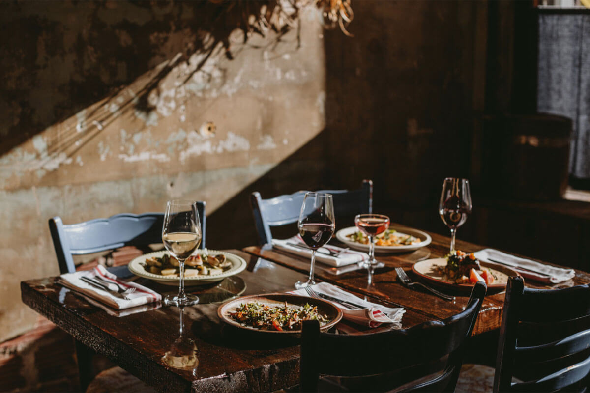 A set table at The MacKenzie, places to eat in Gastown