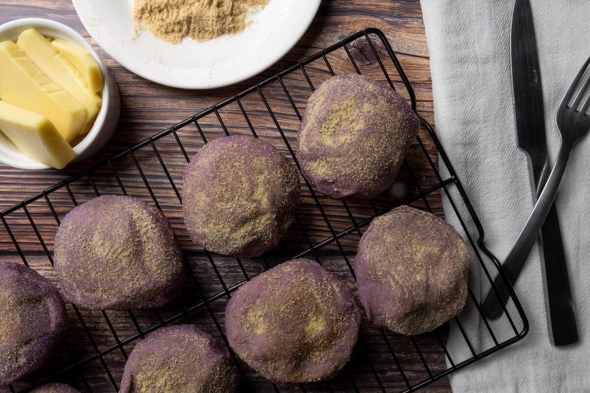 6 ube cheese pnadesals, among the 10 trendiest quarantine recipes