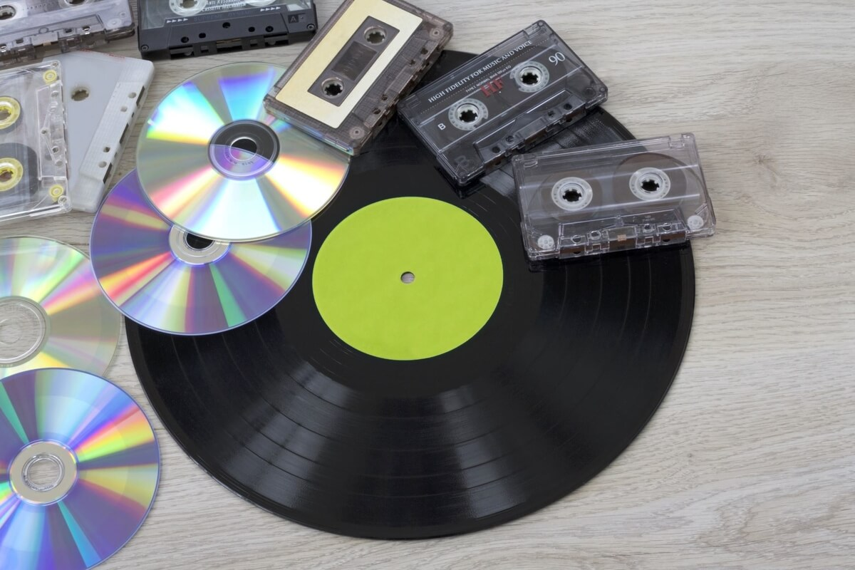 vinyl record, cassette tapes and CD-ROMs, part of Austin Record Convention