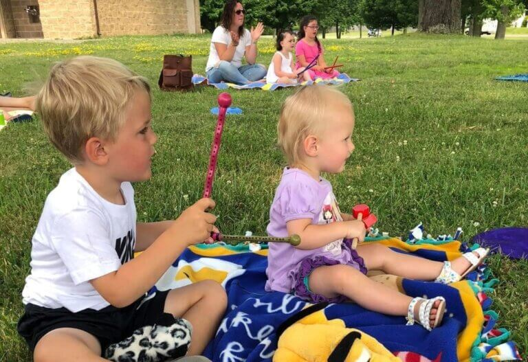 feelings rock helps kids enjoying an outdoor activity
