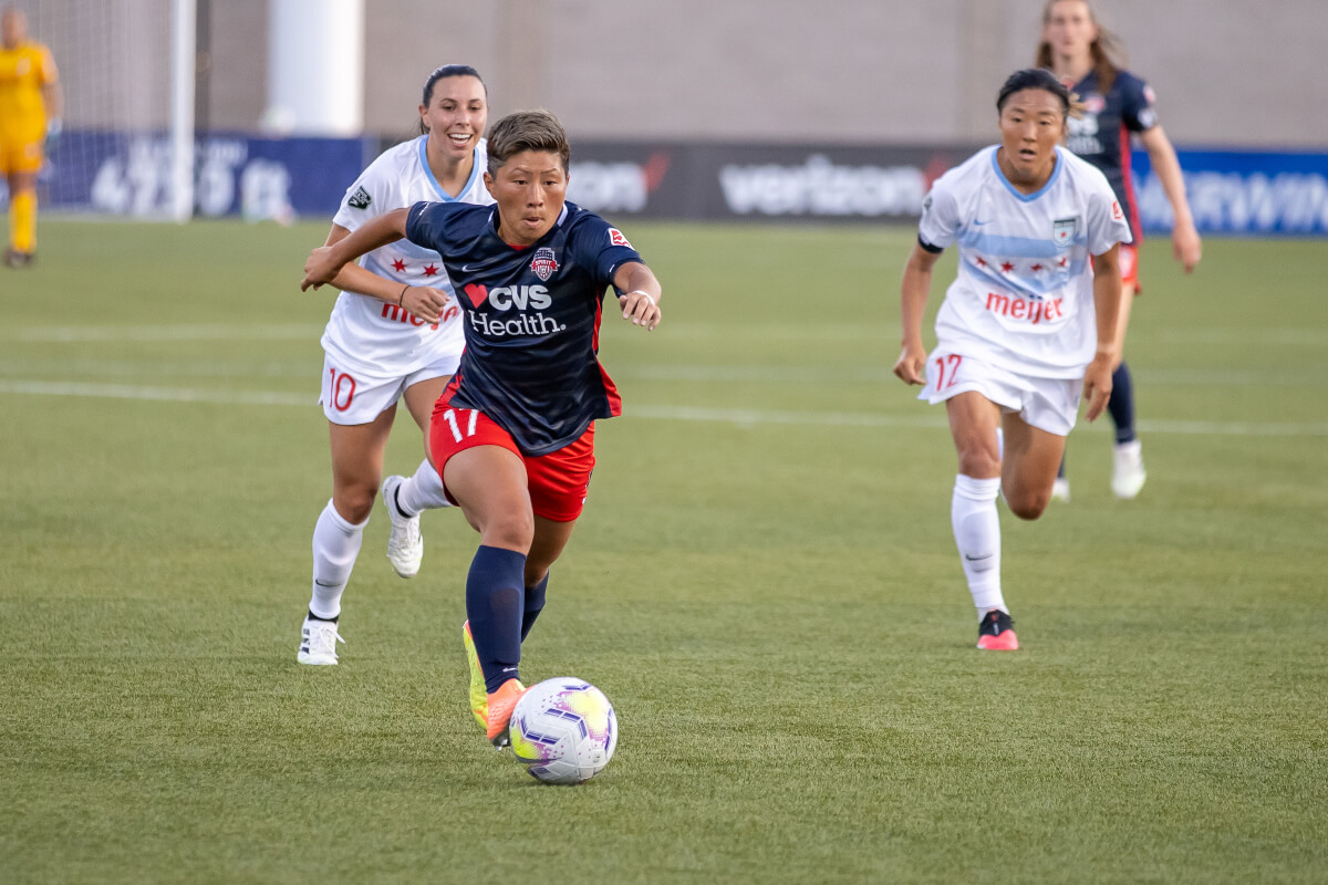 women playing soccer, washington spirits kumi