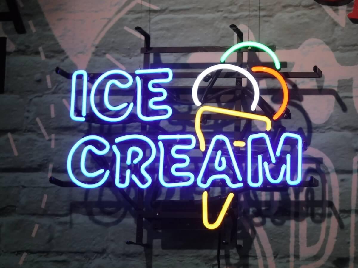 neon light for museum of ice cream