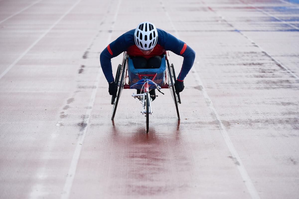wheelchair racer at tokyo paralympics 2021