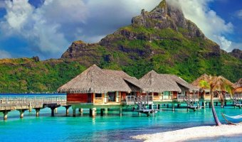 cottages-in-the-middle-of-beach-753626_SQ